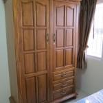 ตู้เสื้อผ้าไม้สัก 2 ประตู
